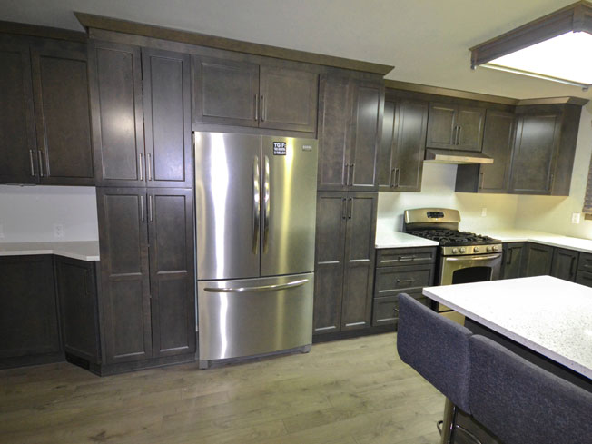 Choice Select - Graphite Kitchen - Photo by Warehouse Guys